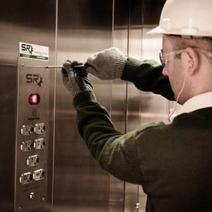 Montagem de elevadores thyssenkrupp
