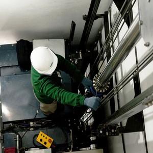 Conserto de elevador monta carga